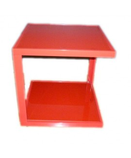 Tavolino quadrato rosso di Andrea House
